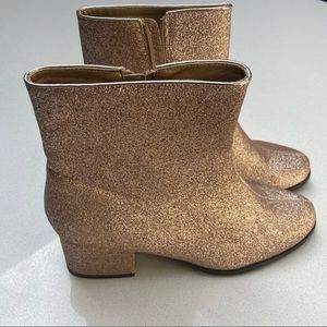 FOREVER 21  NWT Women's Boots
